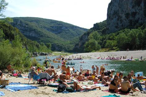 Camping dans les gorges de l 39 ard che camping vallon - Camping vallon pont d arc piscine ...
